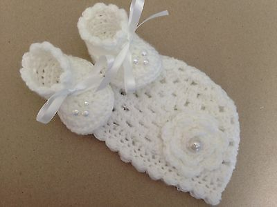 Crocheted, hand knitted Baby Girl Booties / Shoes Hat White Pearl Newborn