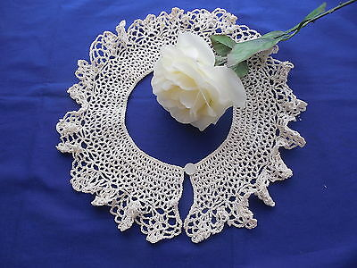 Vintage Beige Crocheted Collar with Button Closure