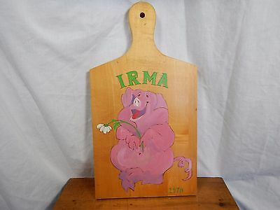 "Personalized Cutting Board ""Irma 1978"" Pig Holding Flower"