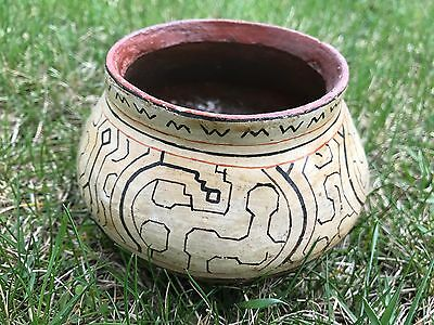 Shipibo bowl, collector's item. 5 in diameter, 4 in high. Excellent condition.