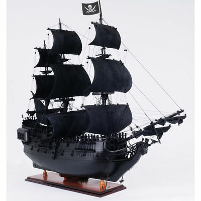 The Black Pearl : fictional ship in Pirates of the Caribbean 54cm