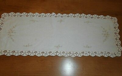 Vintage Creme Table Runner 31 X 81Cm Vic.