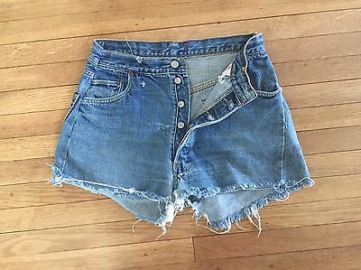 VTG 80s HIGH WAIST Destroyed Denim LEVIS 501 Boyfriend Cut Off MOM JEAN Shorts