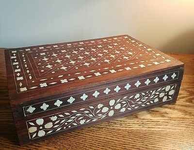 SUPERB & V LARGE HOSHIARPUR STYLE ANGLO-INDIAN TABLE BOX INLAID WITH BONE c1895