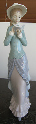 LLadro LADY reading SPAIN ornament DISPLAY girl DRESS hat PORCELAIN art BOOK