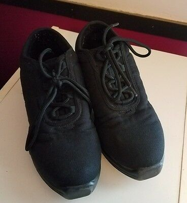 Capezio Black Split Sole Dance Sneaker Shoes Sz 9.5 Adult