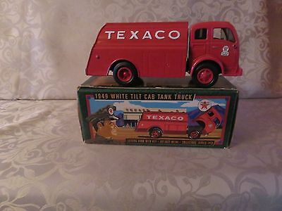 Texaco 1949 White Tilt Cab Tank Truck Die Cast Bank New In Box Series #13 Collec