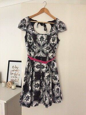 Review dress, black and white print, Size 10