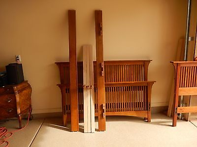 Stickley Mission Collection Oak Queen Size Spindle Bed - Used
