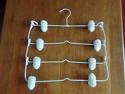 Vintage 4 tier metal rubber coated clothes hanger 8 seashell clips