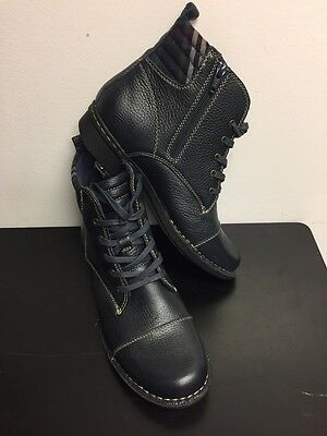 Clarks Women's Navy Blue Ankle Boots Size 8,5 M