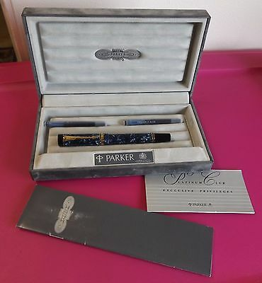Parker Duofold Fountain Pen - Blue Marble, 18K Gold Nib 750 M, Boxed