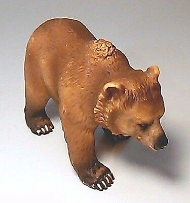 """2003 Schleich Grizzly Bear Figure In Walking / Standing Pose Brown 4""""l"""