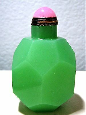 Larger Size Multi-faceted Green Opaque Glass Chinese Snuff Bottle w/ Spoon