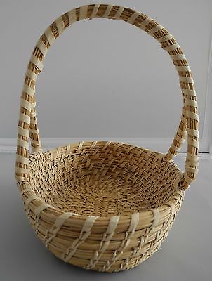 PAPAGO HAND-MADE BASKET  w/ HANDLE --yucca, bear grass, devil's claw