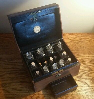 COLLECTIBLE LATE VICTORIAN ARMY & NAVY COOP APOTHECARY/HOME MEDICINE BOX c.1901