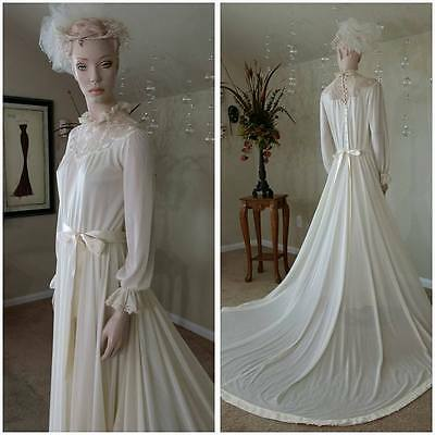 vintage 70s ivory wedding dress with train by Creations by Aria size 11-12