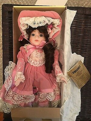 "15"" Seymour Mann ""Jeanette"" porcelain doll In box with COA / tags"