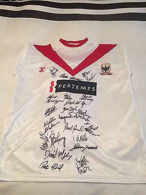 Airdrie united FC signed football shirt with ( 22 signatures )
