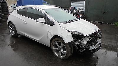 vauxhall astra GTC 2012 A14NET front wiper motor (BREAKING WHOLE CAR)
