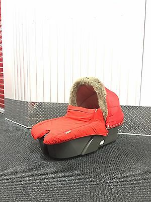 Stokke Explory Carrycot, Winter Kit, Foot muff (All red)