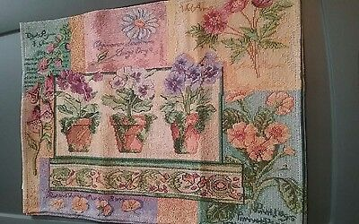 Home Decor Tapestry Placemats Set of 4 New 13X18 Floral SUMMER Spring Flowers