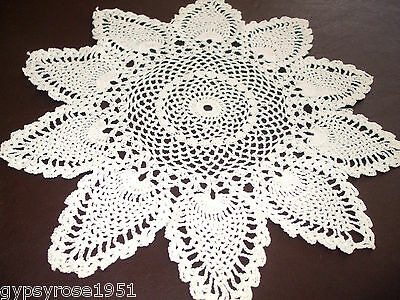 Vintage Round Crochet Doily (Hand Done) Pineapple Pattern (White)