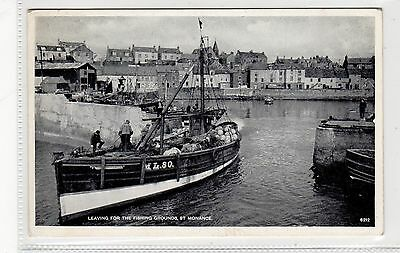 LEAVING FOR THE FISHING GROUNDS, ST MONANCE: Fife postcard (C27054)