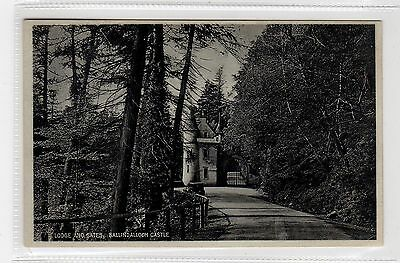 LODGE AND GATES, BALLINDALLOCH CASTLE: Banffshire postcard (C27070)