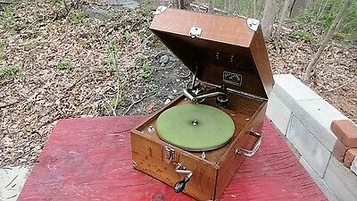 Victor Victrola Model 50, VV-50, #71,701  oak portable antique phonograph 1923