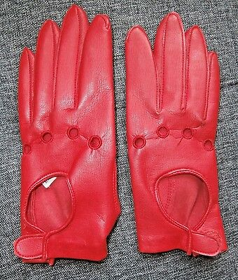 PAIR RETRO 1960/70s RED PVC KEY HOLE DRIVING GLOVES ~ size 7 ~ MADE IN HONG KONG