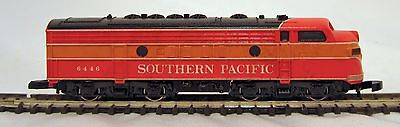 Micro Trains -Z-American-E-8-Diesel-Electric-Locomotive-Sothern Pacific Orange