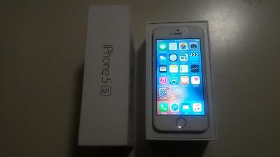 Apple iPhone 5s - 16GB - Silver (Sprint) Smartphone