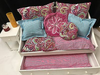 American Girl Dreamy Daybed with Bedding Night Stand & Lamp Just Reduced!