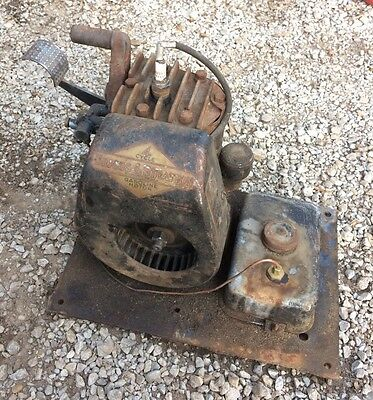 Briggs & Stratton Gas Engine Motor Model WMB Hit Miss Antique Vintage