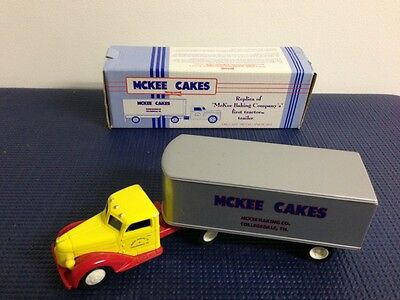 Little Debbie Replica Of First Tractor Trailer