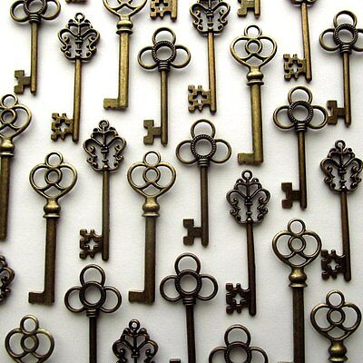 Mixed Set of 30 Vintage Skeleton Keys in Antique Bronze Home Art Decor Gift Old