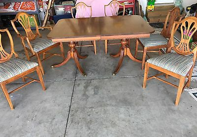 Vintage Duncan-Phyfe table and chairs by Thomasville