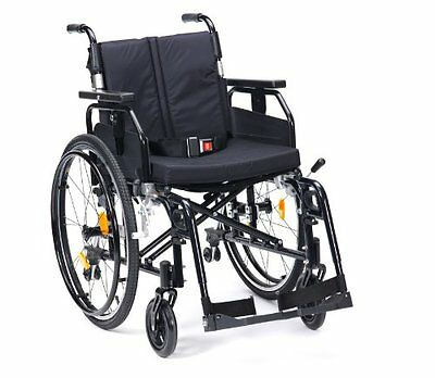 Drive Medical SD2SP22BLK - Sedia a rotelle manuale Enigma Super Deluxe, (W5u)