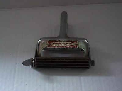 """vintage townsend fish scaler/skinner des moines iowa silver red metal 6"""""""