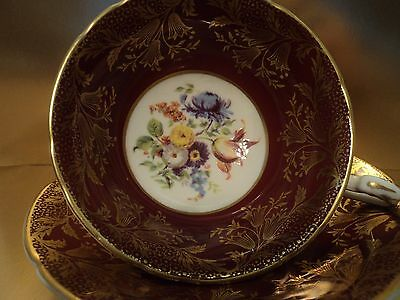 Paragon Her Majesty The Queen Burgundy Red English Bone China Tea  Cup & Saucer