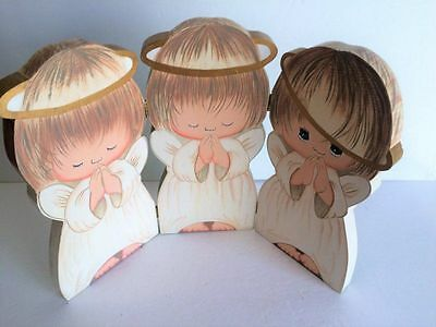 2003 Hallmark Joyce 3 little wood praying angels panel with holly on back