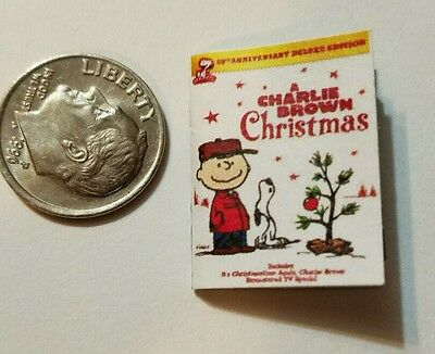 Peanuts Snoopy game Dollhouse Miniature 1:12 Charlie Brown Christmas Game