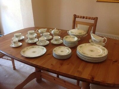 Wedgwood 43 Piece Petersham Bone China Dinner/tea Set