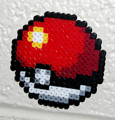 Pokeball Magnet - Perler Bead Sprite Art (Pokemon Nintendo)