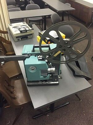 VTG Bell & Howell 1592C Autoload Filmosound 16mm Movie film Projector B&H