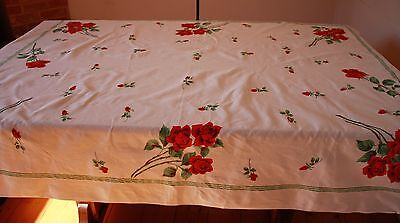 RED ROSE LINEN TABLE CLOTH. 1960s.