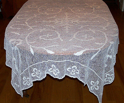 "BEAUTIFUL VINTAGE FILET LACE TABLECLOTH, STUNNING DEISGN, 73"", c1930"