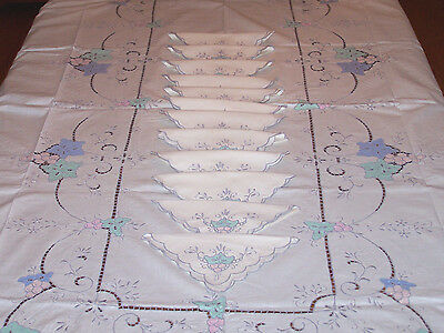 "Exceptional Vintage Cutwork Embroidered Tablecloth 100"" Banquet Sized 12 Napkins"