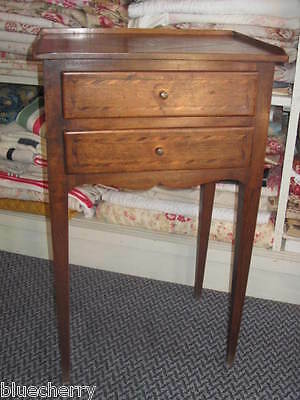 SLEEK ANTIQUE FRENCH SIDE / LAMP END TABLE NIGHTSTAND MARQUETRY Top & Drawers